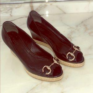 Gucci patent leather peep-toe horsebit espadrille